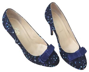 Butter Navy Pumps
