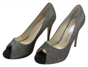 Caparros Size 10.00 M Very Good Condition Silver, Gray Formal