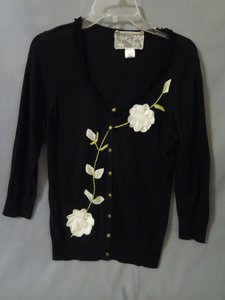 Nick & Mo Applique Floral Embroidered Sweater