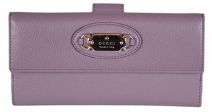 Gucci New Gucci Women's 231841 Textured Lilac Leather W/Coin Wallet