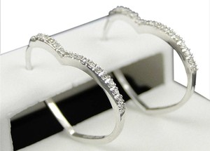 Other 10K Womens Ladies White Gold Rounnd Cut Diamond Heart Hoops Earrings
