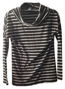 Old Navy Top black and white