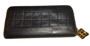 BCBGMAXAZRIA Black Quilted Leather Zip Around Organizer Clutch Wallet