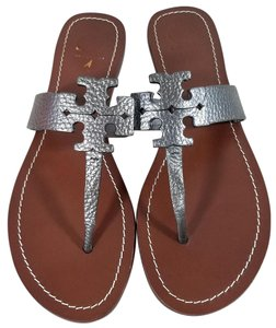 Tory Burch Laser-cut Logo Pebbled Flat Lining Rubber Sole Pewter Sandals