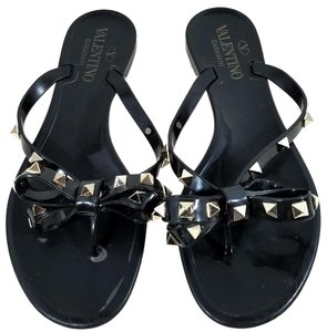 Valentino Jelly Thong Bow Detail Pyramid Rockstuds Jelly Pvc Black Sandals