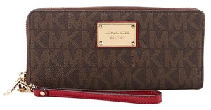 Michael Kors Michael Kors Jet Set Item Travel Continental Wallet Brown/Cherry