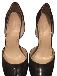 Adrienne Vittadini black and gold Pumps