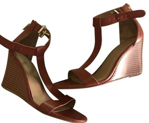 Kenneth Cole Reaction Camel Wedges