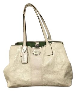 Coach Carry-all Framed Patent Leather Signature Satchel in Ivory