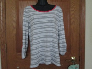 Banana Republic Striped Spring Summer Knit Stretchy T Shirt Grey & White
