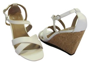 Beverly Mills Size 8.00 M Very Good Condition White, Neutral Wedges