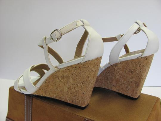 Beverly Mills Size 8.00 M Very Good Condition White, Neutral Wedges Image 6