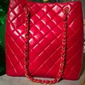 Chanel Tote in lipstick red Image 3
