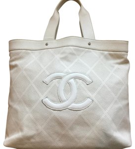 Chanel Tote in Creme/beige