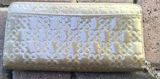 Coach Coach Signature Embossed Patent Leather Zip Wallet Image 1