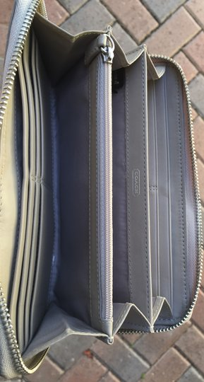 Coach Coach Signature Embossed Patent Leather Zip Wallet Image 3