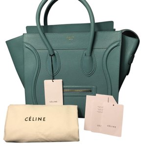 Céline Satchel in Antarctic
