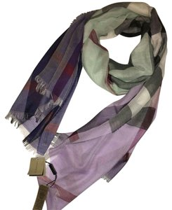 Burberry Spring scarf