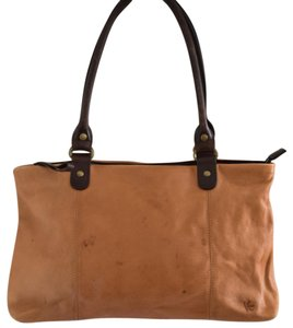 Ellington Shoulder Bag