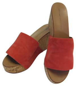 Diane von Furstenberg Size 9.00 M Very Good Condition Coral, Neutral Mules