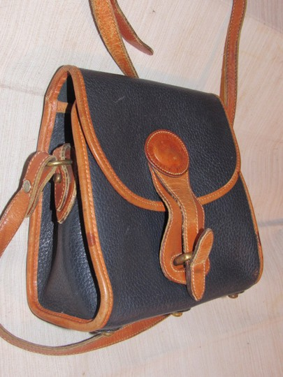 Dooney & Bourke Awl All Line Early D&b Mint Vintage Rare Style Cross Body Bag Image 3