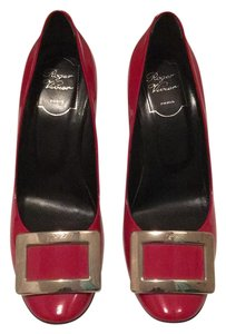 Roger Vivier Buckle Comma Heel 3