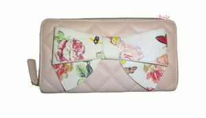 Betsey Johnson BLUSH QUILTED DIAMONDS FLORAL BOW zip around wallet