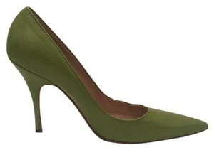 Manolo Blahnik Close Toe Heel Manolo Classic green Pumps