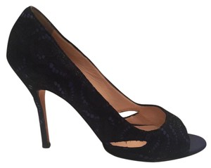 Manolo Blahnik Lace Open Toe navy and black Pumps