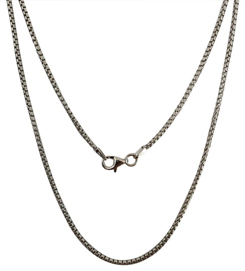 Preload https://img-static.tradesy.com/item/20764248/925-sterling-silver-rhodium-round-box-chain-22-inches-necklace-0-1-540-540.jpg