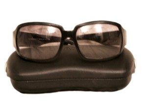 Chanel Chanel black plastic quilted sides sunglasses