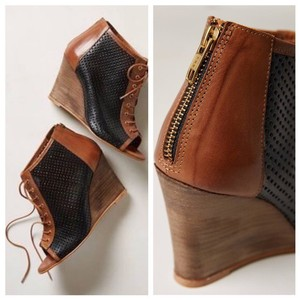 Anthropologie Black and Brown Wedges