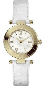 Guess X70037L1S Mini Chic White Leather Bracelet With White Analog Dial