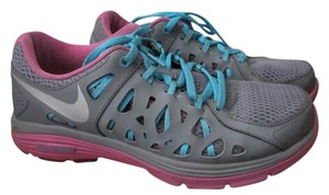 Nike Sporty Comfortable Chic Casual Gray Athletic