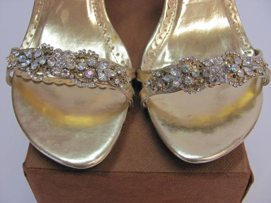 SWEET SEVENTEEN Size 8.00 M Rhinestones Condition Gold Formal Image 3