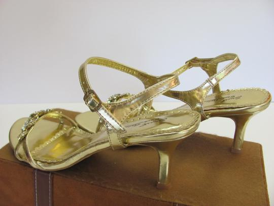 SWEET SEVENTEEN Size 8.00 M Rhinestones Condition Gold Formal Image 5