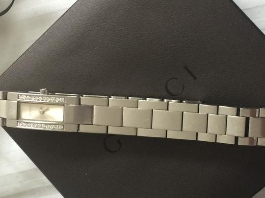 Gucci Gucci diamonds watch/price reduced Image 2