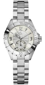 Guess A70000L1 Women's Silver Metal Bracelet With White Analog Dial
