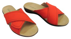 Trotters Brand Adjustable Straps Size 7.00 M Excellent Condition Red Flats