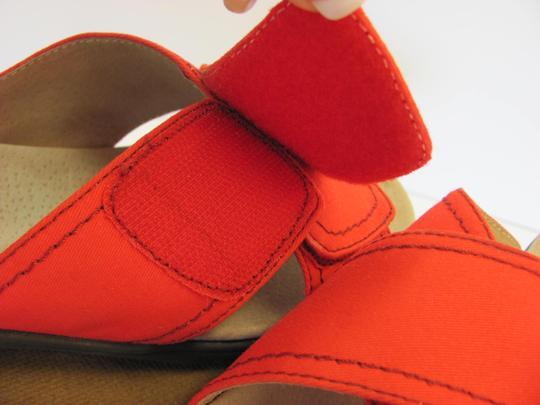 Trotters Brand Adjustable Straps Size 7.00 M Excellent Condition Red Flats Image 4