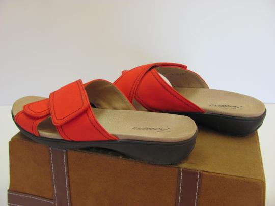 Trotters Brand Adjustable Straps Size 7.00 M Excellent Condition Red Flats Image 5