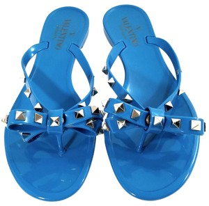 Valentino Jelly Thong Bow Detail Pyramid Rockstuds Jelly Pvc Blue Sandals