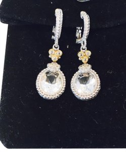 Judith Ripka Brand New - never worn Crystal And Silver 'estate' Oval Earrings