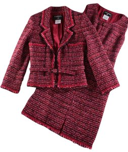 Chanel RED WOOL BOUCLE KNIT SHEATH DRESS & JACKET SUIT SET - FR 36 / US 2