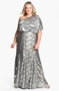 Adrianna Papell Silver Silver One Foil Finish Gown Dress