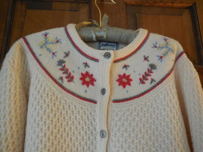 Pendleton Wool Embroidered Flowers Waffle Weave Pewter Buttons Button Down Cardigan Image 1