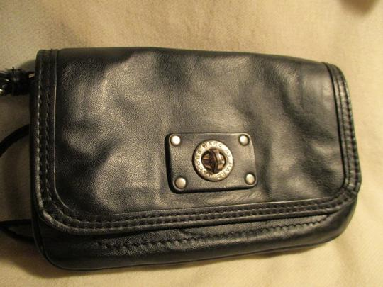 Marc by Marc Jacobs Leather Cross Body Bag Image 10