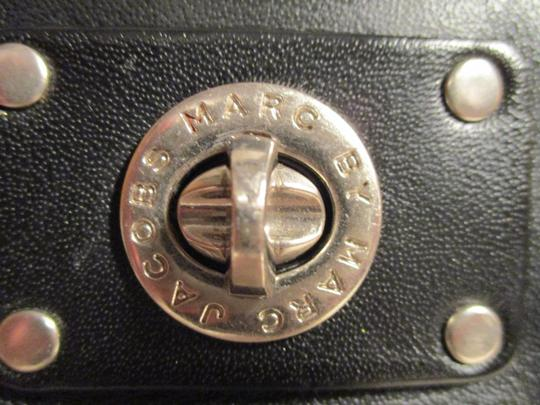 Marc by Marc Jacobs Leather Cross Body Bag Image 3