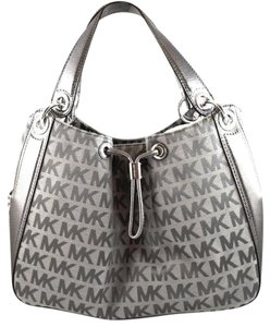 Michael Kors Ludlow Ice Tote in Gray