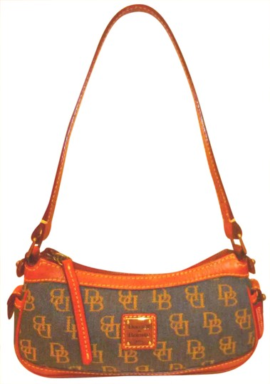 Preload https://img-static.tradesy.com/item/20768749/dooney-and-bourke-small-handbag-navy-and-cognac-brown-signature-monogram-jacquard-leather-shoulder-b-0-1-540-540.jpg